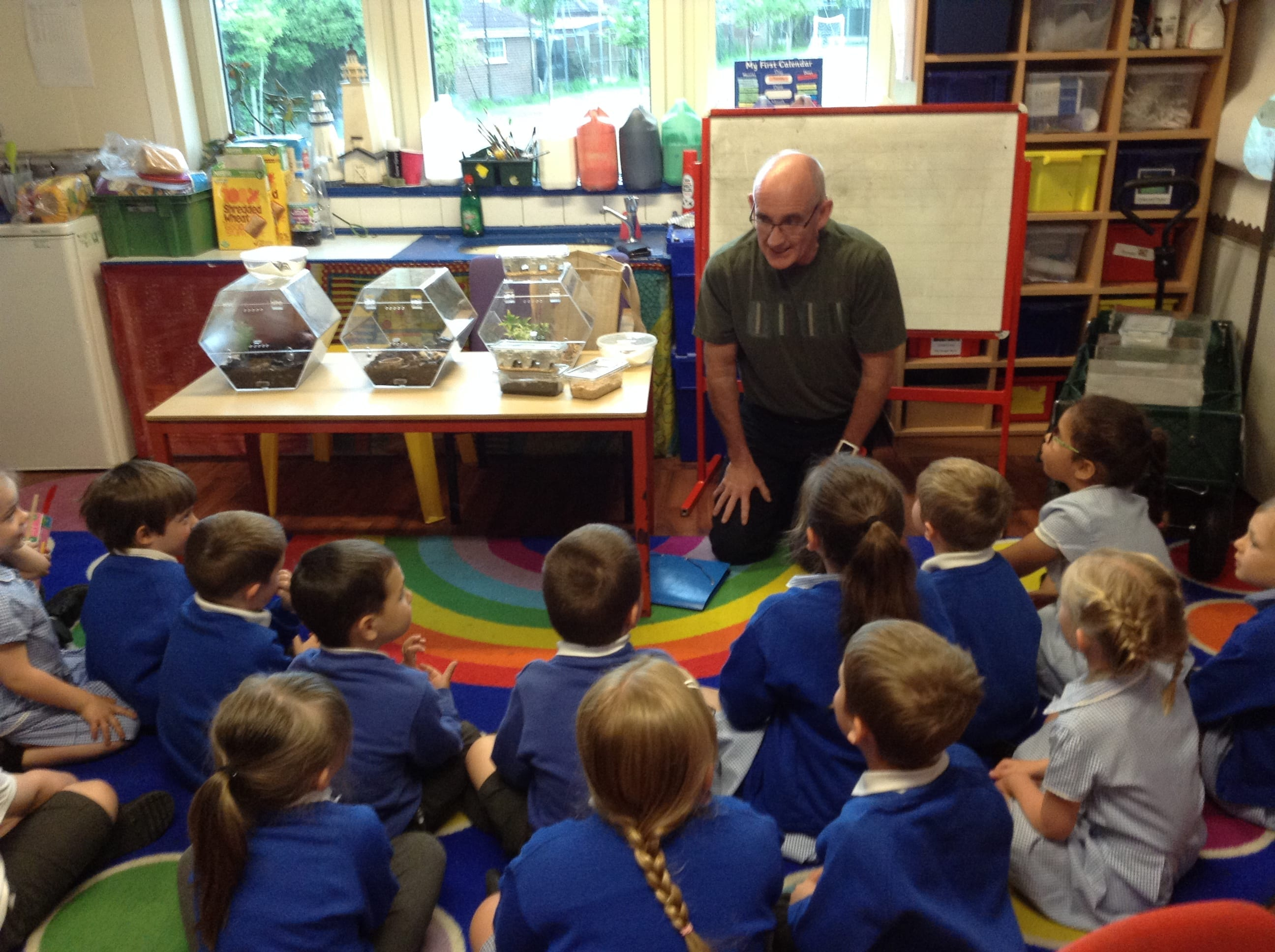 Spiders and scorpions visit Explorers class