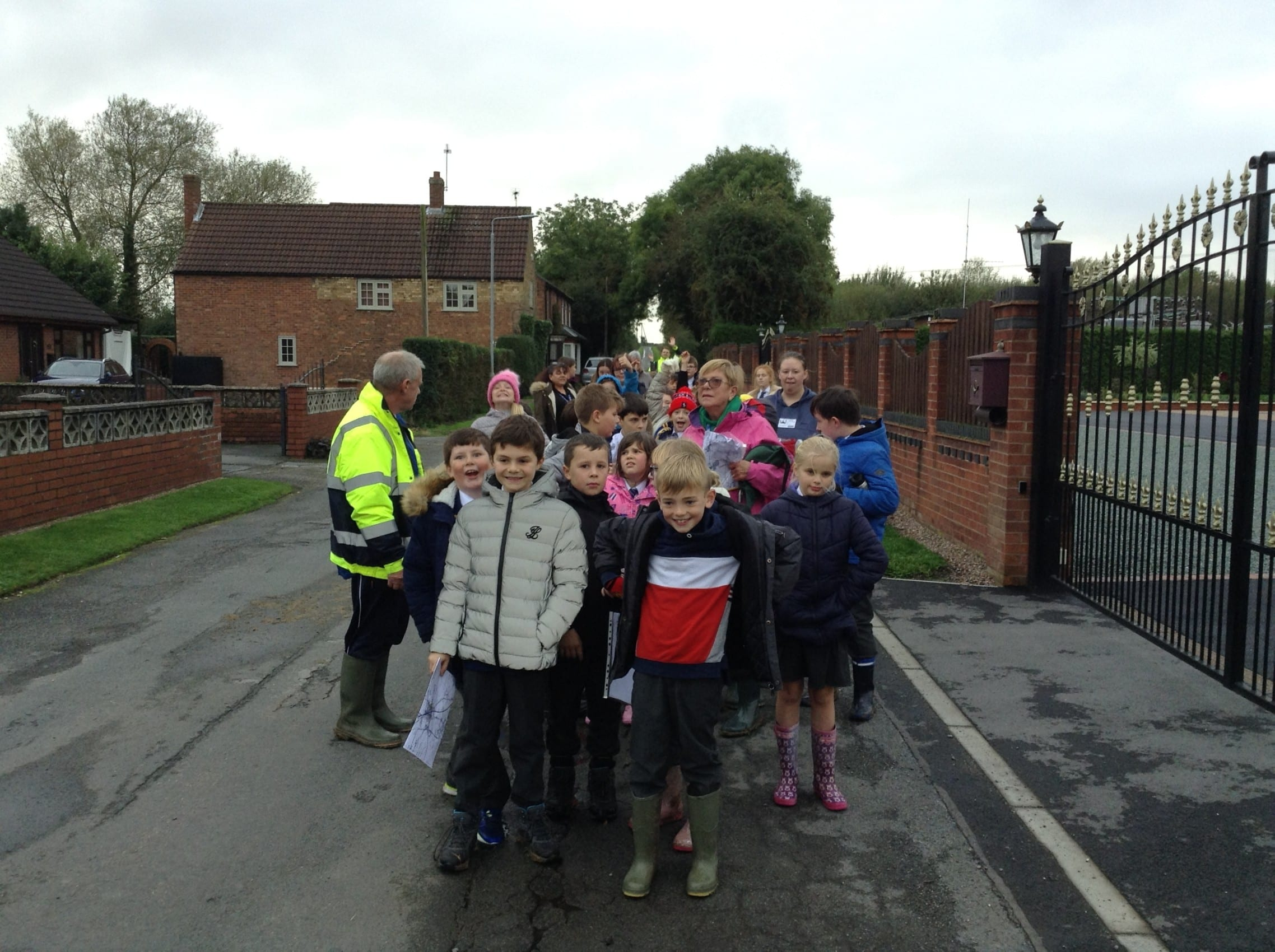 Year 5 intrepid explorers take a muddy autumnal walk around Tuxford